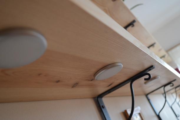 oświetlenie pod półką