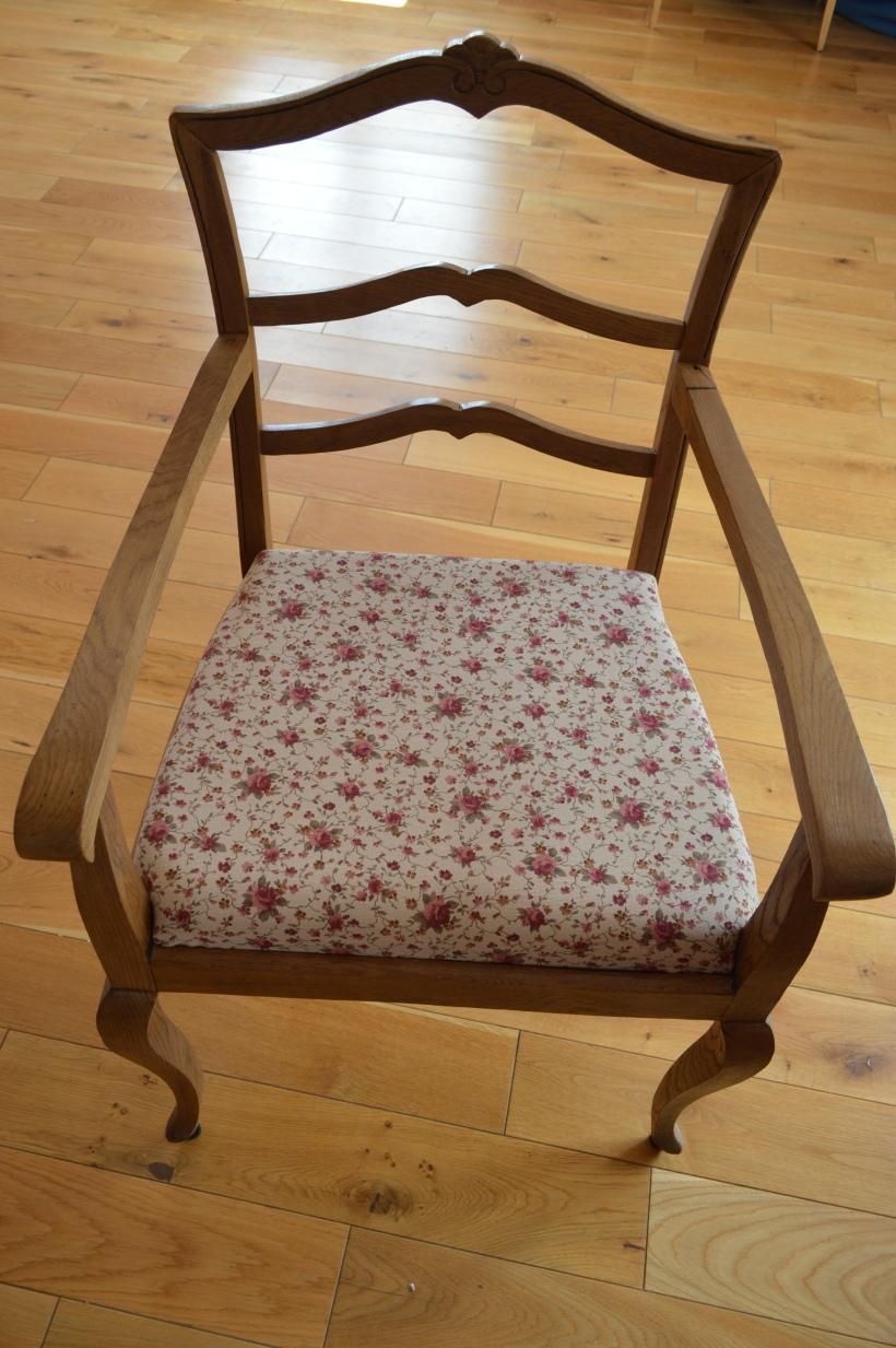 fotel drewniany po renowacji