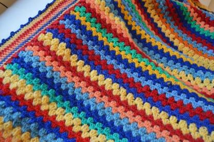 kolorowy kocyk szydełkowy