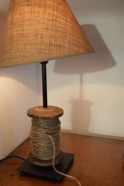 lampka ze sznurkiem