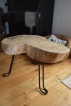 stolik z plastra na stalowych nóżkach