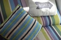 szydełkowa poduszka w paski