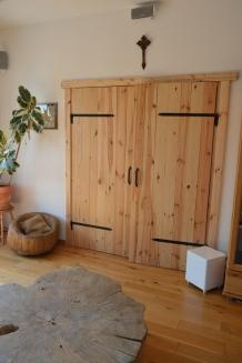drzwi podwójne w salonie