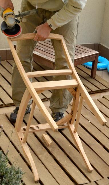 szlifowanie krzesła