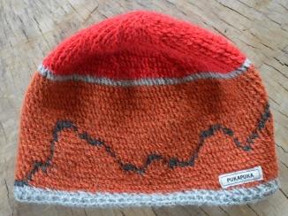czapka pukapuka z panoramą Tatr