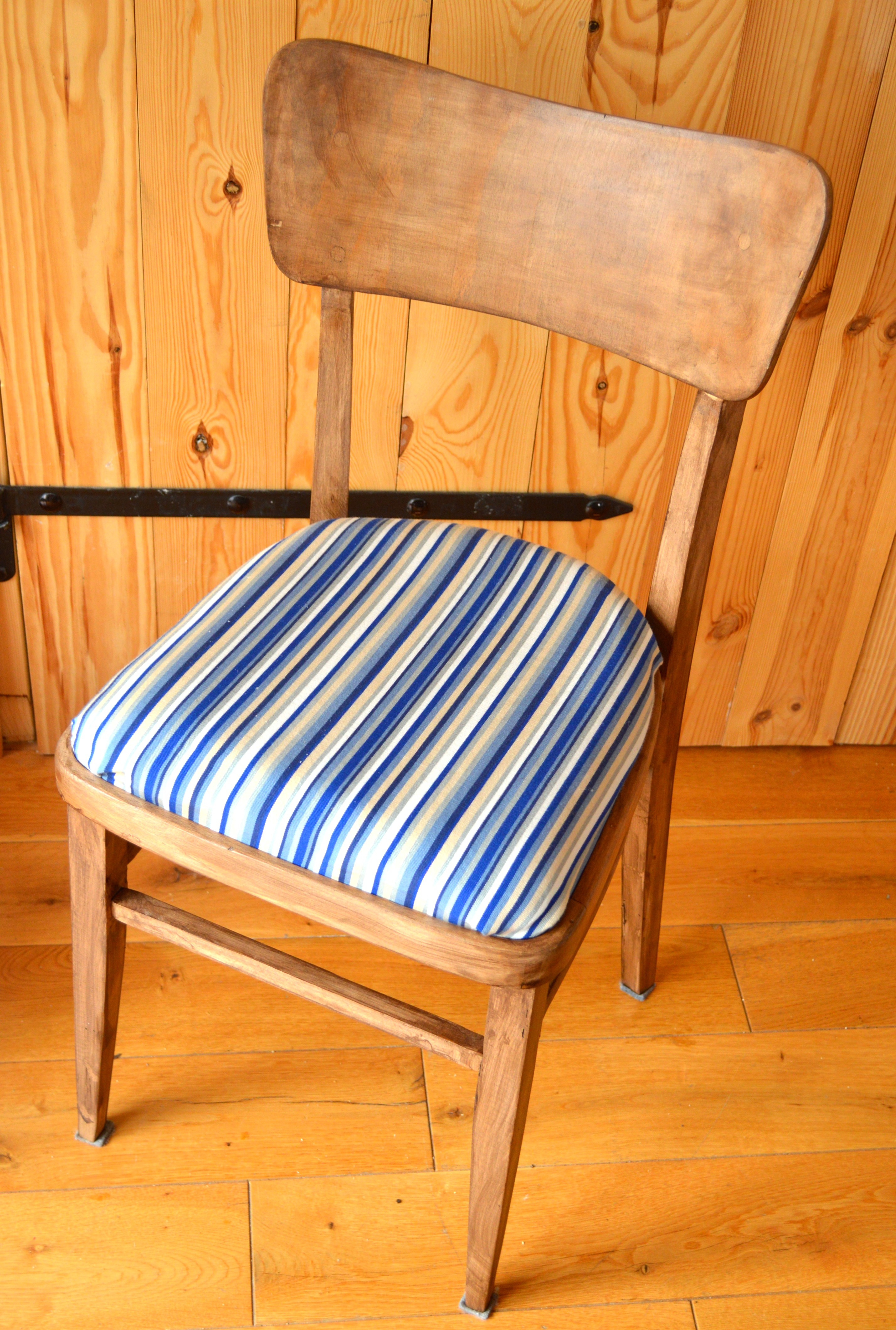 odnowione krzesło ze śmietnika