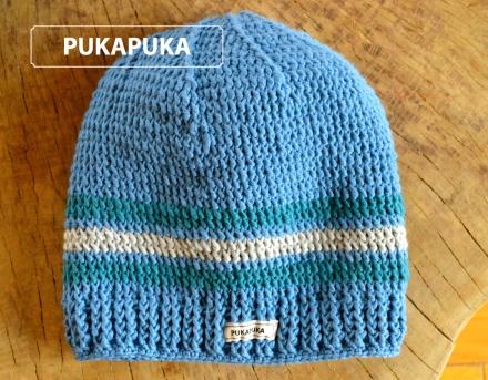 czapka niebieska z paskiem
