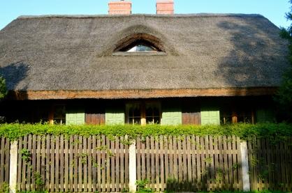 chata kryta strzechą