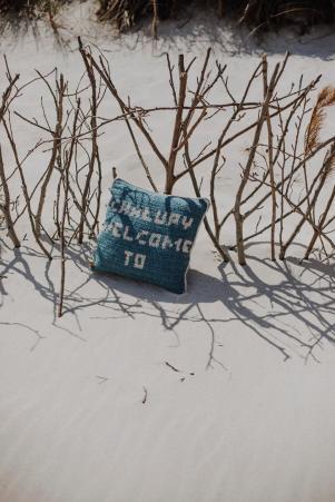 poduszka na szydełku z napisem